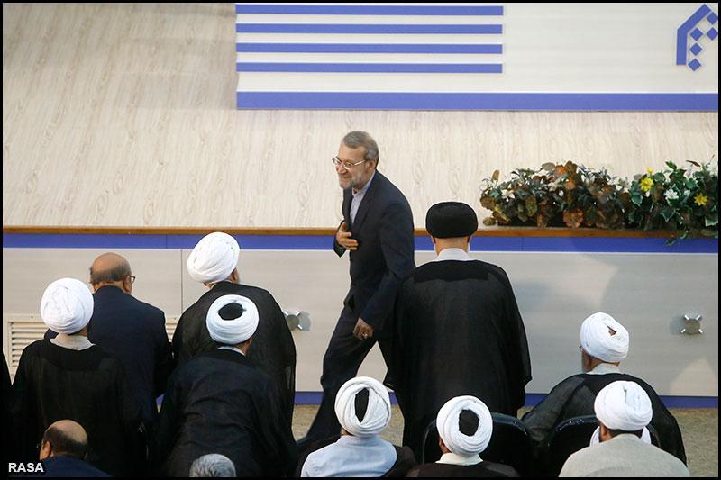 گزارش تصویری 1 / آیین تجلیل از آیت الله امینی و بزرگداشت آیت الله معرفت و ده پژوهشگر برتر